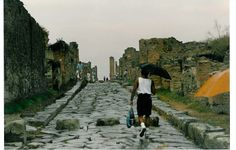 Pompei, Italy, the ruins and Roger. Sep 1988