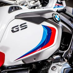 BMW MOTORRAD UK.: MEET THE ICONIC COLLECTION - WHAT ARE THEY, AND HOW DO I GET ONE?