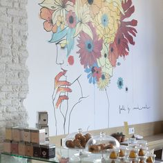 Devotees to the organic revolution will be in heaven at this Barcelona café and supermarket...