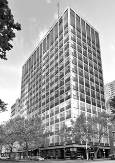 'Reserve Bank'. Collins Street, Melbourne. © G.C. Campbell.