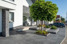 Umbriano paving and slabs for garden and home - Hof Ideen Exterior Tiles, Exterior Design, Mansion Designs, Backyard, Patio, Real Plants, Different Plants, Modern Architecture House, Outdoor Gardens