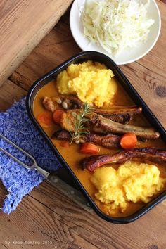 Bauernrippelen... Geschmorte Rippchen... Polenta und Krautsalat... Südtiroler Spezialität