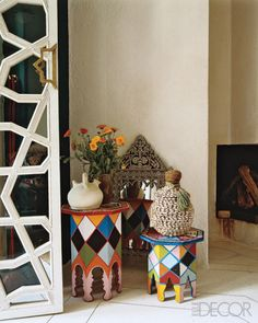 I heart Moroccan style decor......they are simply so colorful...!