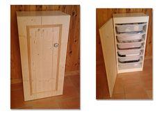 Création d'une porte en sapin pour un meuble à tiroirs basique et pratique, mais moche. Maintenant on ne voit plus tout le bazar dans les tiroirs... :)