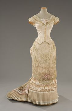 dress from the film The age of innocence by Sartoria Tirelli