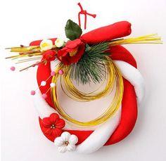 Shimenawa Style New Year Decoration Japanese Ornaments, Temple Bells, Japanese New Year, New Years Decorations, New Year Celebration, Nihon, New Years Eve, 4th Of July Wreath, Flower Arrangements