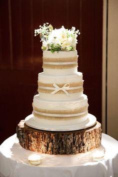 Wedding Cakes : Picture Description Rustic wedding cake: www. Country Wedding Cakes, Wedding Cake Rustic, Fall Wedding Cakes, Rustic Cake, Wedding Cake Designs, Wedding Cake Toppers, Wedding Ideas, Wedding Venues, Burlap Wedding Cakes