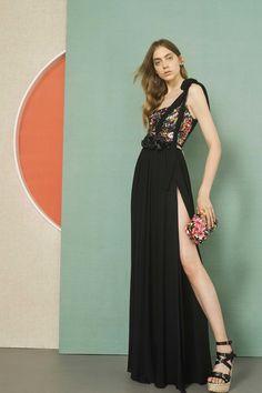 تصميمات مختلفة لفساتين السهرة من المصمم العالمى ايلى صعب 2017 Different designs for evening dresses from Elie Saab  2017 Différents modèles de robes de soirée de Elie Saab 2017