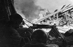 Stalingrad, a Soviet machine gun crew in the ruins
