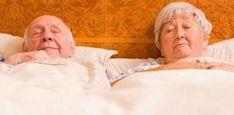 """El Instituto Nacional del Envejecimiento (NIA, por sus siglas en inglés) recomienda establecer un """"lugar seguro y tranquilo para dormir"""" con estas sugerencias: Asegúrese de tener detectores de humo en cada piso de su casa. Antes de acostarse, cierre todas las ventanas y puertas que conducen al exterior. Mantenga un teléfono con números de teléfono …"""