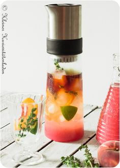 Pfirsich-Thymian-Eistee Breakfast Drinks Healthy, Infused Water, Foodblogger, Iced Tea, Syrup, Brewing, Smoothies, Healthy Recipes, Drink Recipes