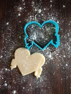 Image of Ribbon Heart Cookie Cutter Heart Cookie Cutter, Heart Cookies, Cookie Cutters, Cookie Decorating, Cake Toppers, Stencils, Ribbon, Sugar, Image