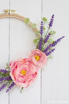 Quick and easy DIY Embroidery Hoop Spring Wreath tutorial using pretty flowers and lavender
