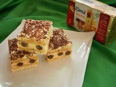 Cea de-a opta reteta din Top 10 cele mai bune retete de prajituri o puteti gasi si in lumea magica plina de poveste de pe Prajituria.ro Foi 7 oua 7 lg faina 7 lg zahar 300 gr rulouri umplute Crema 2 plicuri budinca de vanilie 600 ml lapte 12 lg zahar esenta de vanilie 1/2 Dessert Drinks, Dessert Recipes, Romanian Food, Romanian Recipes, Cakes And More, Tiramisu, Waffles, Sweet Tooth, Cheesecake