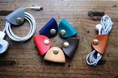 La main en cuir écouteur titulaire - support de cuir végétal - écouteurs - câble - câble Agenda - porte-boules quies - Agenda