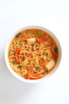 One Pot Peanut Sauce Noodles - Vegan Richa One Pot Vegetarian, Vegetarian Recipes Easy, Healthy Recipes, Whole Foods 365, Whole Food Recipes, Pasta Recipes, Dinner Recipes, Cooking Recipes, Dinner Dishes