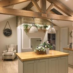29 Ornaments for Rustic Kitchen Idea Cozy Atmosphere ~ Gorgeous House Rustic Country Kitchens, Rustic Kitchen Design, Cottage Kitchens, Rustic Cottage, Shabby Chic Kitchen, Home Decor Kitchen, Kitchen Interior, New Kitchen, Home Kitchens