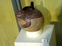 Nasca, Botella de cerámica de la                                     cultura Nazca en forma de un sapo