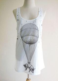 Floating Balloon Pig Sky Funny Animal Design Pig Tank Top Women T-Shirt White Sleeveless Animal T-Shirt Screen Print Size M.
