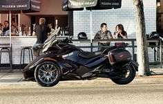 Spyder 2013 ST Limited Three-Wheeled Motorcycle | Can-Am Roadster