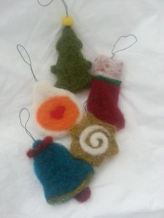 Needle felted ornaments set of 5 by Feltnlove on Etsy, €14.00