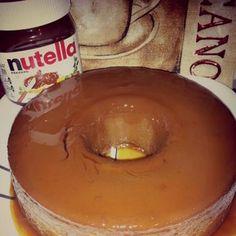FLan de Nutella 1pot. Leche evaporada, 1pot. De leche condenzada, 1/2 Taza de nutela, 5 huevos, 1cdt. De vainilla, 1cdt. De chocolate en polvo, 1 Taza de azucar (para El caramelo)
