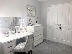 Grey Bedroom Decor, Bedroom Decor For Teen Girls, Room Design Bedroom, Teen Room Decor, Stylish Bedroom, Room Ideas Bedroom, Dressing Room Decor, Dressing Room Design, Teen Bedroom Designs