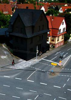 ドイツの真っ黒な家ワロタ(海外の反応) : 海外のお前ら