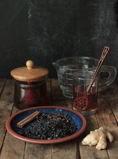 homemade elderberry & honey syrup