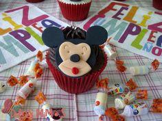 cupcakes mickey Cupcakes, Desserts, Food, Tailgate Desserts, Deserts, Cupcake, Meals, Cupcake Cakes, Dessert