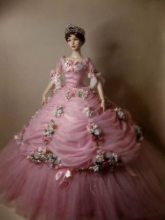 "Tonner doll: as Leslie Caron in the ""Glass Slipper"". Barbie Gowns, Barbie Dress, Barbie Clothes, Pink Barbie, Barbie Doll, Victorian Dolls, Vintage Dolls, Manequin, Bride Dolls"