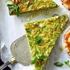 Feta-pinaattipiirakka | Maku No Salt Recipes, Vegetable Recipes, Vegetable Pizza, Vegetarian Recipes, Healthy Recipes, Feta, Spinach Tart, Pizza Nachos, Healthy Snacks