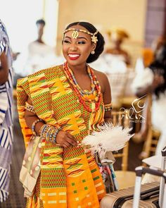 Latest Kente Designs That Will Make You Fall in Love - Afro Fahionista Ghana Traditional Wedding, African Traditional Wedding Dress, African Wedding Dress, African Print Dresses, African Print Fashion, Africa Fashion, African Fashion Dresses, African Dress, Traditional Outfits