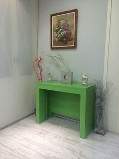 Mesa consola extensible con extensibles dentro en laca, cuando el color si importa Entryway Tables, Furniture, Color, Home Decor, Decoration Home, Room Decor, Colour, Home Furnishings, Home Interior Design