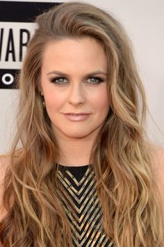 Alicia Silverstone at the 2013 American Music Awards: http://beautyeditor.ca/2013/11/25/american-music-awards-2013/