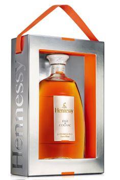 Wine Drinks, Alcoholic Drinks, Rum Shop, French Cognac, Cocktails, Box Design, Label Design, Wine Art, Luxury Houses