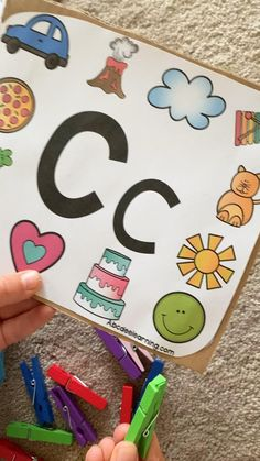 Grab my free alphabet printables to practice beginning sounds! This is a great phonics lesson and wonderful reading activity for kindergarten. Phonics Lessons, Kids Learning Activities, Alphabet Activities, Preschool Worksheets, Kindergarten Activities, Free Alphabet Printables, Teaching Abcs, Creative Activities For Kids, Writing Art
