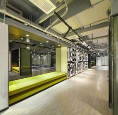 블랙&화이트로 역동적이고 감각적인 인테리어디자인 오늘 소개해드릴 공간은 스포츠센터 입니...
