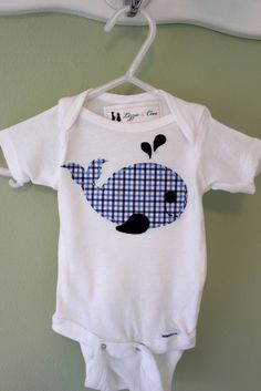 Whale Applique Baby Onesie - Baby Bodysuit - Ideas of Baby Bodysuit - Whale Applique Baby Onesie Baby Sewing Projects, Sewing For Kids, Baby Boy Outfits, Kids Outfits, Applique Onesie, Baby Embroidery, Embroidery Dress, Diy Bebe, Sewing Shirts