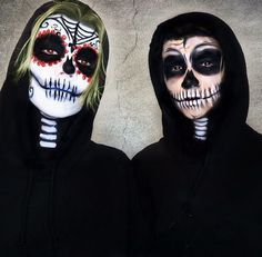 Rock your eerie and attention-grabbing Halloween makeup this season. Check out brilliant Halloween makeup ideas here &choose some quirky face makeup. Cool Halloween Makeup, Halloween Looks, Halloween Trick Or Treat, Winter Makeup, Fall Makeup, Pop Art Makeup, New Years Eve Makeup, Michelle Phan, Makeup Needs