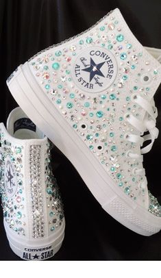 Tendance Basket Femme Crystal Car Keys Crystal Converse Crystal Beauty Products Crystal Covered Headphones Crystal Covered Guitars Made With Swarovski Elements Gallery Bling Shoes, Prom Shoes, Wedding Shoes, Converse All Star, Converse Shoes, Shoes Sneakers, Bling Converse, Converse Trainers, Custom Converse