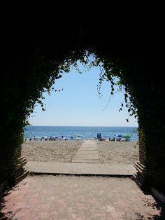 Acceso a la playa en Marina D'Or.