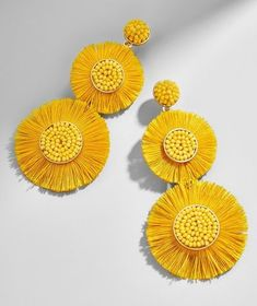 Delicately beaded centerpieces lend flair, while a playful fringe seriously turns up the drama. Did we mention how a colorful palette feels effortlessly on-trend? Trust us - these drop earrings are a must for any jewelry lover. Fabric Jewelry, Diy Jewelry, Jewelry Accessories, Fashion Jewelry, Jewelry Design, Yellow Accessories, Star Jewelry, Jewelry Bracelets, Diy Earrings