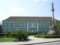 Stonehenge, Mansions, House Styles, Amazing, Places, Castles, Home Decor, Czech Republic, Cities