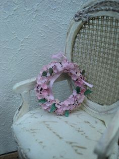 Small pink flower wreath