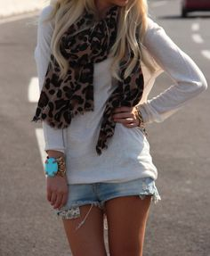 Oversized shirt, jean shorts, leopard scarf & turquoise accessories. Love!