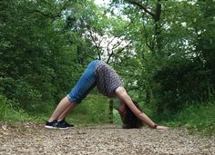 Sélection de vidéos de yoga pour débutant | Je débute le yoga blog yoga, running, green Respiration Yoga, Green Lifestyle, Yoga Style, Running, Condition Physique, Sports, Voici, Healthy, Yoga Exercises