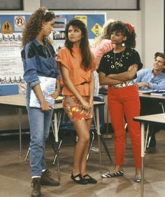 Fashion Flashback Friday: 10 Reasons Why Saved by the Bell?s Lisa Turtle is On-Trend