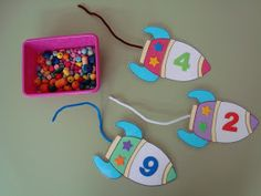 "Plastificeren illusies Games Project ""To infinity and beyond"" in de hoek van de nummers Space Preschool, Space Activities, Preschool Themes, Kindergarten Math, Toddler Activities, Preschool Activities, Math For Kids, Crafts For Kids, Outer Space Theme"
