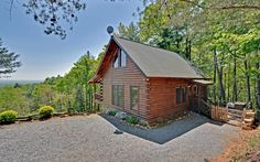 The Nativa cabins in North Georgia are located atop a mountain and appeal to nature lovers and adventurers alike, with its unique outdoorsy feel.